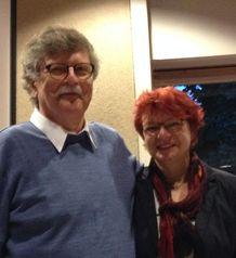 Heinz Joseph dankt Gabi Rolland mit einer Flasche Wein (nicht auf dem Bild)